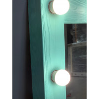 Зеркало с подсветкой для ванной комнаты из дерева 70х90
