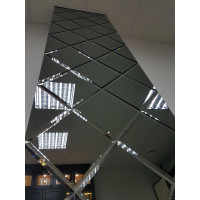 Квадратная зеркальная плитка графит 300x300 мм